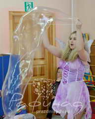 Шоу с мыльными пузырями Хабаровск.