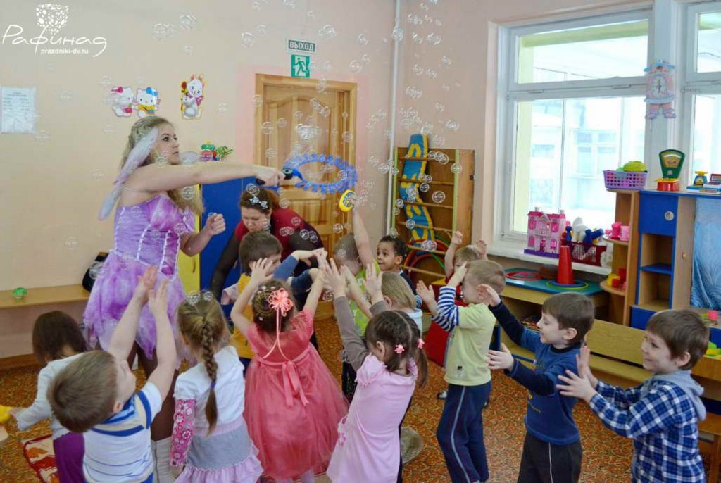 Шоу мыльных пузырей в детском саду Хабаровска.